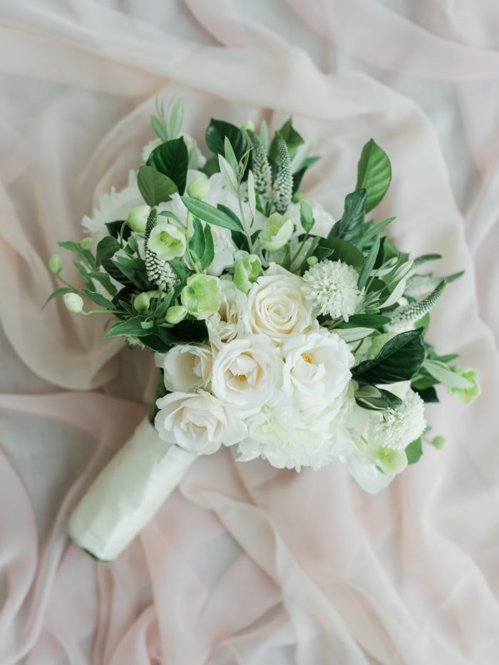 Rustic romantic bouquet best rustic bouquets ivory roses greenery