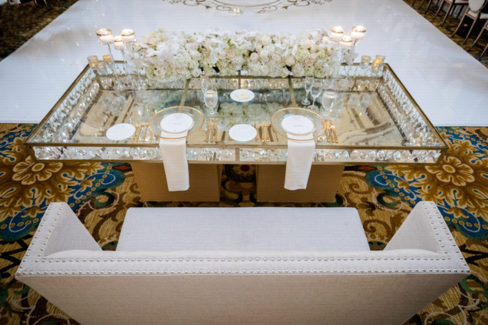 Glass and crystal sweetheart Table